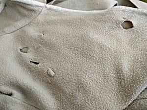 tissu en polaire mangé par un furet